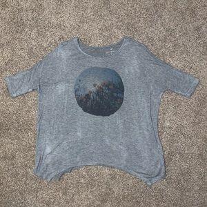 American Eagle Long-sleeved Shirt